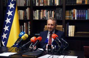 Bakir Izetbegović: Podnijeti krivične prijave protiv Dodika i Cvijanović