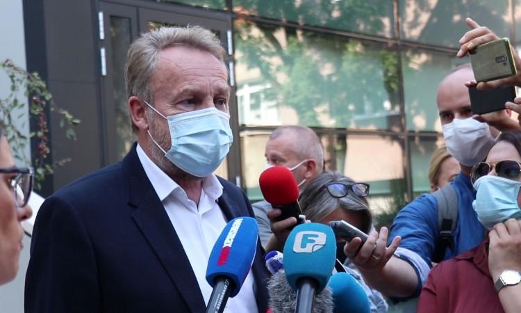 Bakir Izetbegović: Poslije ovakvih formulacija Čampara će teško ostati u SDA