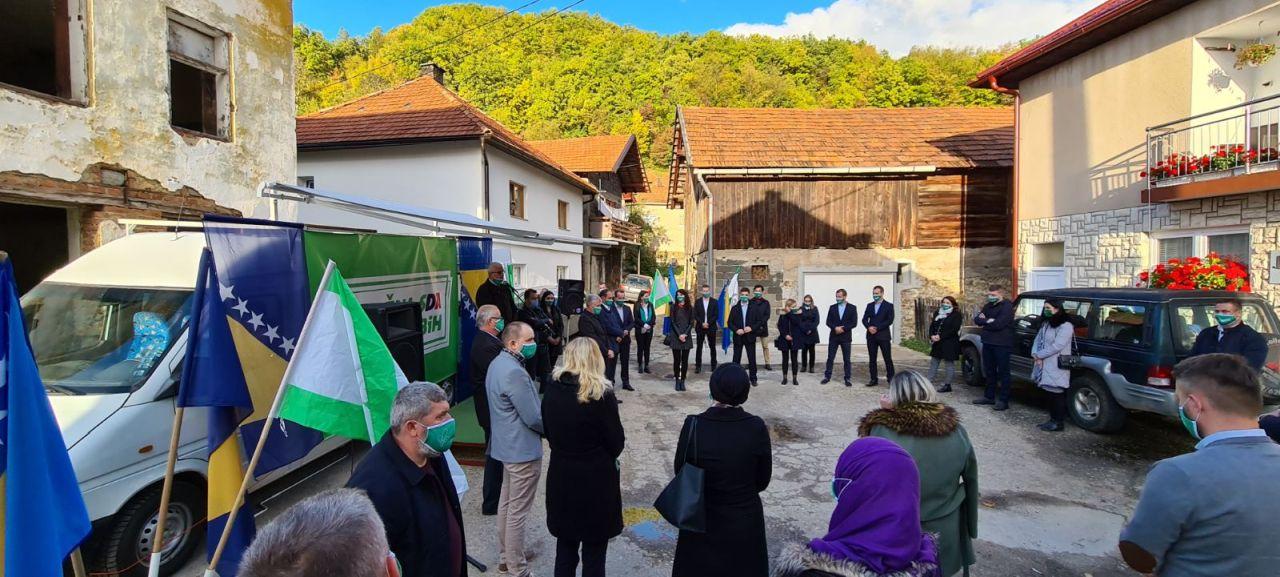 OO SDA Travnik danas posjetila naselje Kljaci