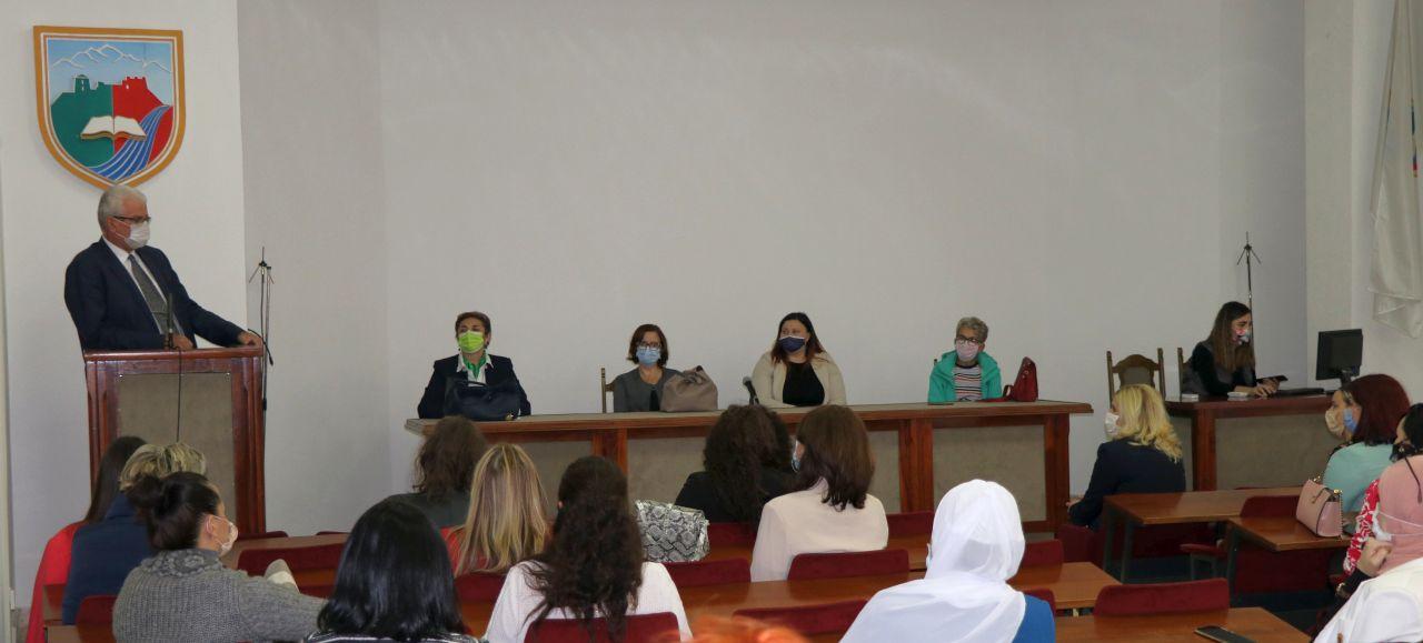 U Travniku danas održan radni sastanak i predavanja Općinske organizacije Žene SDA