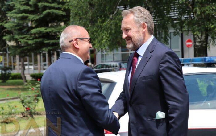 Bakir Izetbegović: U Travniku potrebna izgradnja ceste i srednje škole